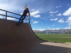 joel bardoux skate, nomad snowboars skate, Nomad Snowboard New Zealand, back side smith grind skate, back side smith grind queenstown, skate queenstown, mini ramp queenstown,