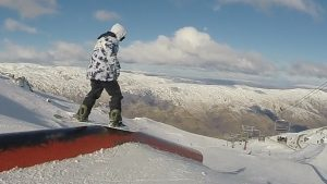 BS Boardslide en Snowboard à Cardrona