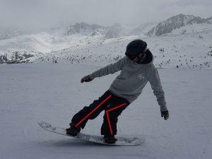 nomad snowboard, apprendre le ollie en snowboard, comment faire un ollie en snowboard