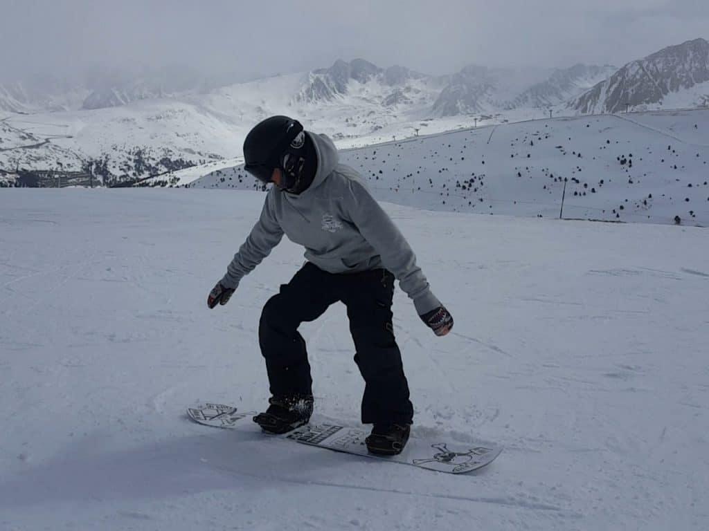 sauter en snowboard, saut des 2 jambes, comment sauter, extension