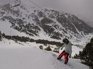 snowboard, impulsion saut en bord de piste, side hit, nomad snowboard