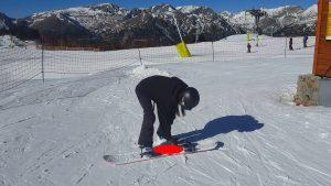 comment prendre un tire-fesses en snowboard. Emplacement du pied arrière